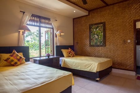 Ubud City Hotel-twin room with fan