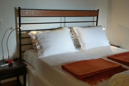 Le Caillou double room + 1 - Bed & Breakfast