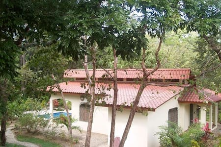 2BR Cabina 200 meters to the beach