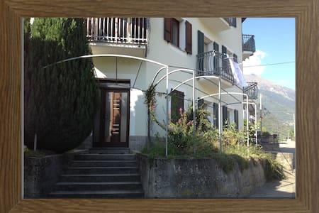 Accogliente casa vacanze Valtellina - Villa di Tirano