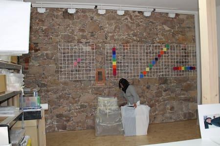 Bei Künstlern auf dem Dreiseitenhof - Coswig - Condominium