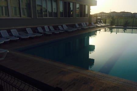 Sakarya Karasu'da havuzlu sitede - Apartment