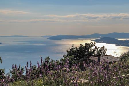 Enjoy peace and nature near Split - Podstrana - Villa
