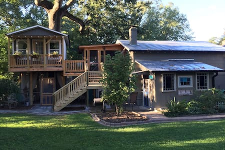 The French Treehouse Suite - Winston-Salem - Baumhaus