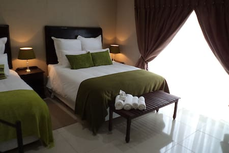 Family room. Sleeps 4. Own garden - Bed & Breakfast