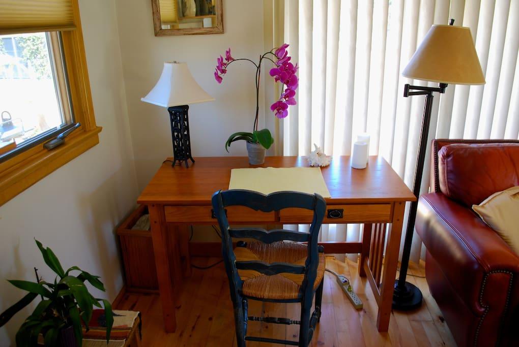 Corner mission style desk