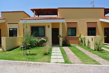Beautiful House, Magic Town Ajijic - Huis