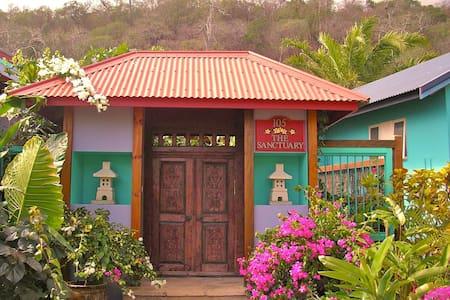 The Sanctuary Adult Retreat - Settlement - Villa