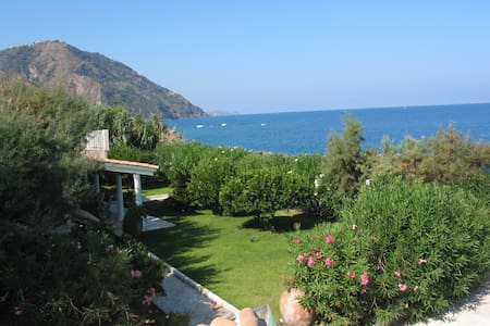 The Garden over the Sea - Villa - Gioiosa Marea