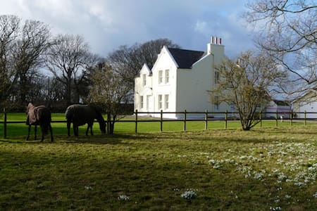 country house B & B - Ballaugh - Bed & Breakfast