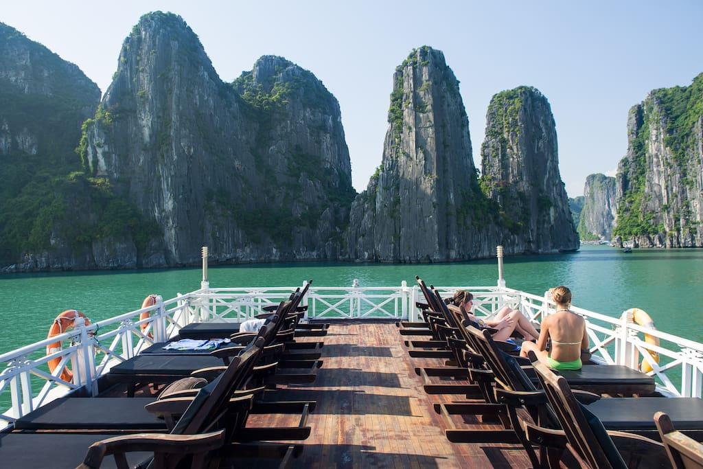 Aclass 3* 2 day Halong Bay cruise