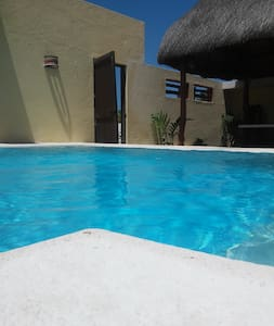 LUXURY BEACH HOUSE WITH POOL, 4 A/C - Chelem