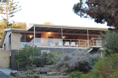 Classic Beach House - Moore River - Haus