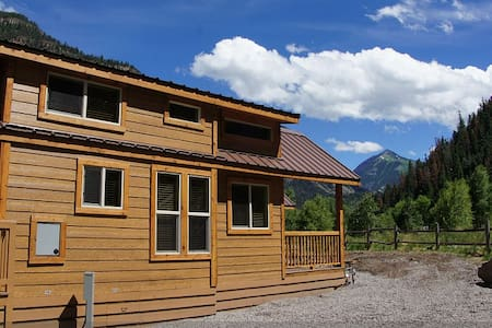 New Deluxe Riverfront Cabin! - Ouray
