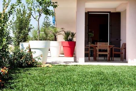 Casa indipendente LITTLE PINK - Calabernardo - Haus