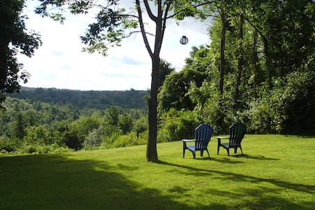 Country House on 2 Acres with View! - Haus