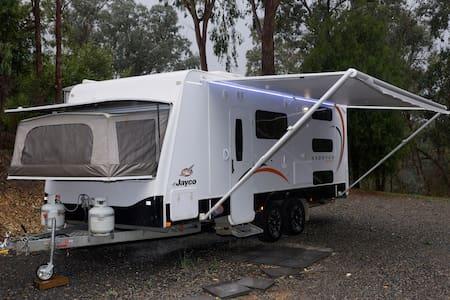 Luxury 5 berth Jayco Caravan - Camper/RV