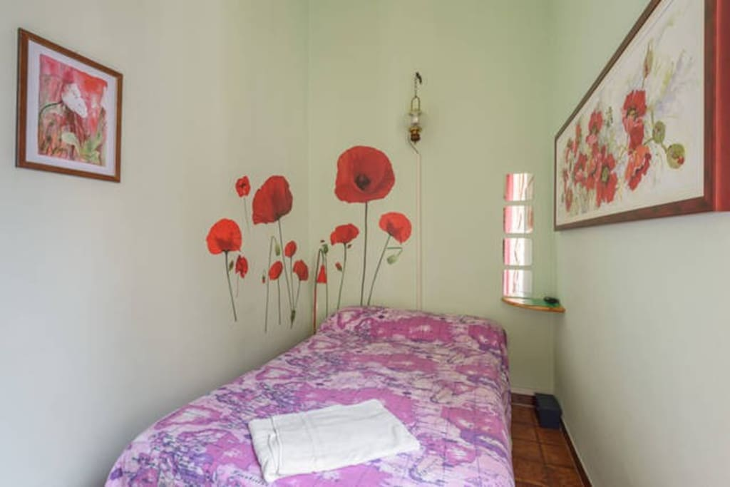 Sixbeds Single room Poppies