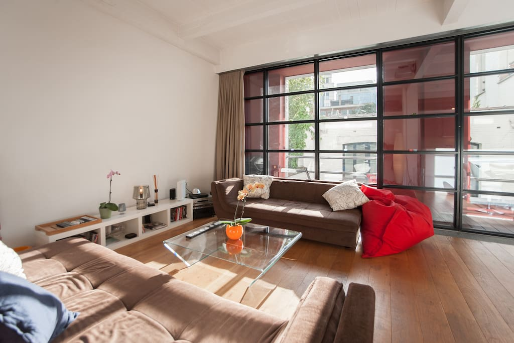 Great loft near Tour & Taxi