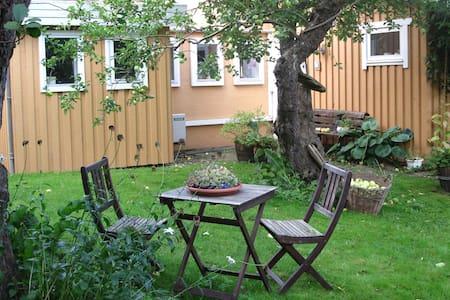 Midt i en eventyrlig have - Stege - Rumah