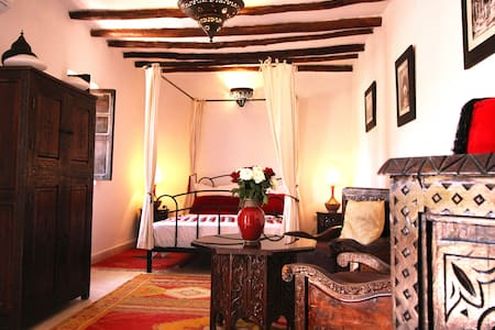 Magnifique chambre dans la médina. - Marrakech - Bed & Breakfast