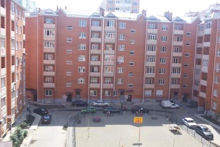 Чистая уютная квартира посуточно - Krasnodar