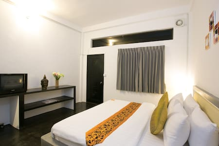 Owl Inn - Superior double & balcony - Krong Siem Reap - Szoba reggelivel