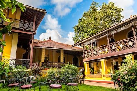 Casa Menezes Heritage Homestay - Bed & Breakfast