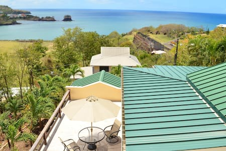 Bed, breakfast & view near airport - Castries City - Bed & Breakfast