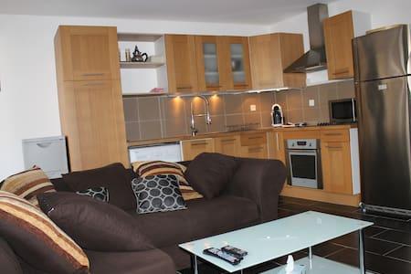 Appartement 1 à 5 p. avec terrasse - Appartamento