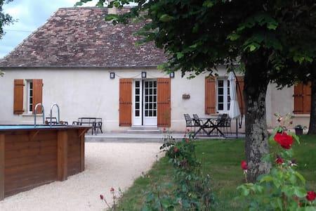 Périgourdine proche Bergerac - House