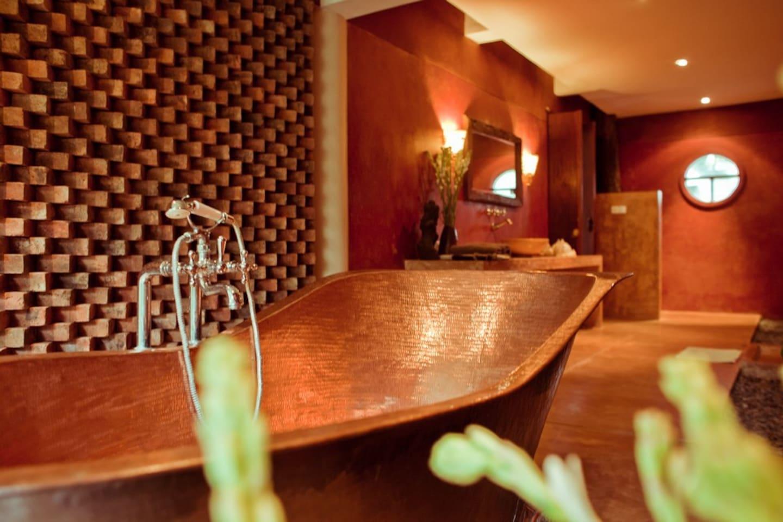 The most romantic en-suite bathroom