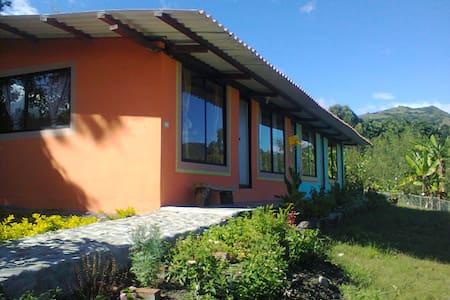 CASAS DE ARRIENDO EN VILCABAMBA - TAXICHE - Vilcabamba - Casa