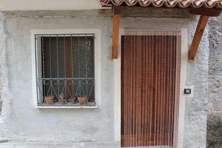 Appartamento economico e funzionale - Caselle In Pittari
