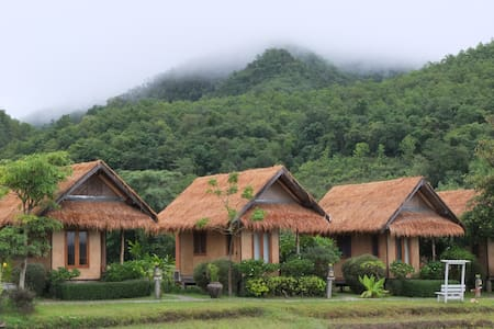 ECO COTTAGE #2 w/breakfast - Tambon Wiang Nuea - House