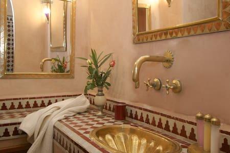 Elegant double bedroom HIBISCUS - Marrakesh