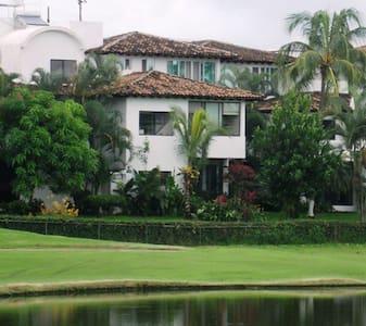 Beautiful 2BR Home, Marina Vallarta - Puerto Vallarta - Dům