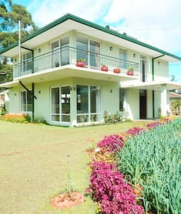 A Lovely Home- Lawrence Ridge Nuwara Eliya. - Nuwara Eliya