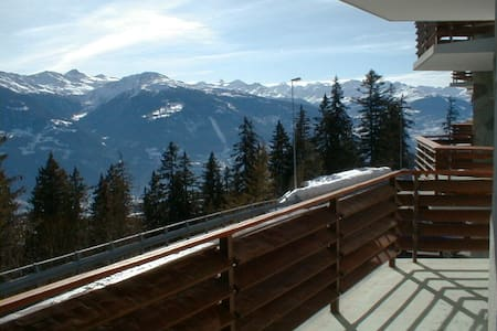 Montana, a soli 200 m dalle piste da sci - Apartment