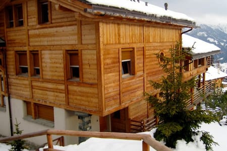 4 bd, views, fireplace, balcony - Bagnes