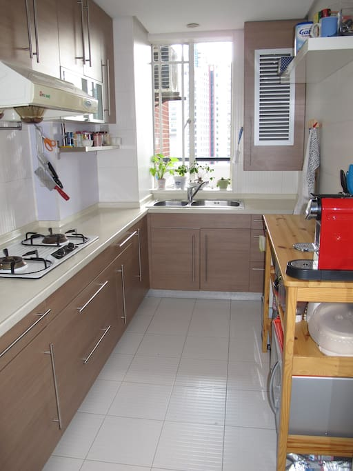Functional & clean kitchen