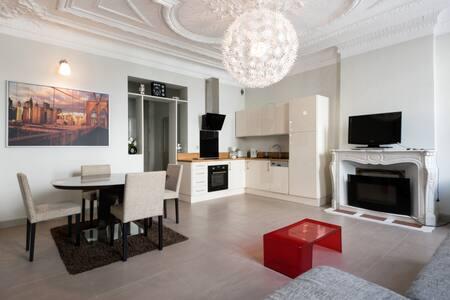 T2 rdc de 56 m2 avec terrasse arborée hyper centre - Appartement