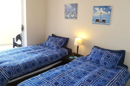 3 bedroom, 2 bathroom self catering apartment with sea views. 7th floor unit.