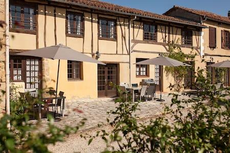 La Mirabel - Lierre (3 bed + pool) - Haus