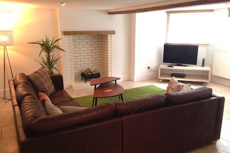 Spacious apartmt centrally located - Royal Leamington Spa - Apartment