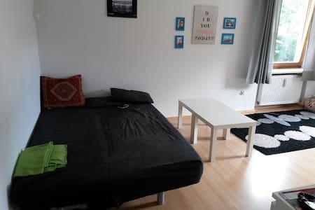 Zimmer zur Wiesn/Oktoberfest für 2P - Lejlighed