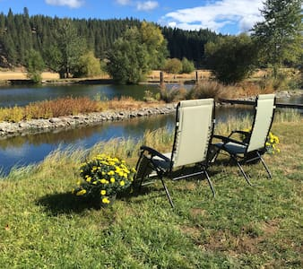 Private Teanaway Valley Waterfront