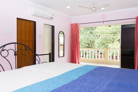 3BHK,10 guests 15mins driveCalagute - Byt