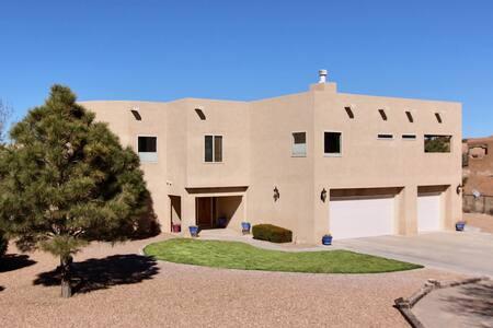 Entire Home in Placitas New Mexico - Placitas - House