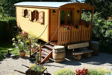 Cosy wooden Gipsy Caravan - Byt